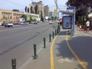 Снимки на абсурдно маркирани велоалеи направиха България популярна. Фото: 9gag.com.