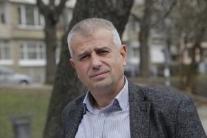 Бойко Атанасов е раследващ магистрат в Столичната следствена служба. Името му се споменава в пресата за пръв път, когато той и трима негови колеги осветляват корупционните практики на тогавашния началник на Четвърта следствена служба в столицата – Христо Станчев. По-късно той е при получаване на подкуп от 4500 евро и 1000 лв., за да замете разследвания срещу бизнесмен. Преди задържането на Станчев четирима следователи, сред които и Бойко Атанасова сезират за корупцията директора на Столичното следствие, който към онзи момент се казва Сергей Стойчев. Изпращат сигнал и до ВСС. Той съдържа информация за осем конкретни злоупотреби на Станчев по следствените дела. След сигнала животът им е превърнат в ад. През 2011 година Атанасов разследва първата успешно осъдена от СГС организирана престъпна група. Въпреки опита, който има в борбата с корупцията, когато кандидатства за поста административен ръководител на СРП и СГП, очаквано за всички, Атанасов не печели конкурса. Фото: Красимир Лободов