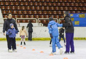 На пързалката всички са заедно - деца, родители и треньори. Фото: Григор Атанасов / Евромегдан